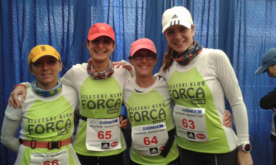 ženska maratonska ekipa