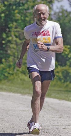 Mike Fremont, 91 godina, otrčao Knoxville polumaraton za 3 sata i 4 minute